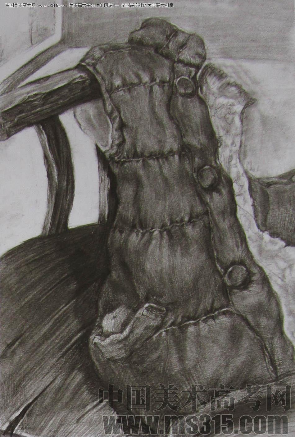 2011年清华大学美术学院素描高分试卷14(设计)