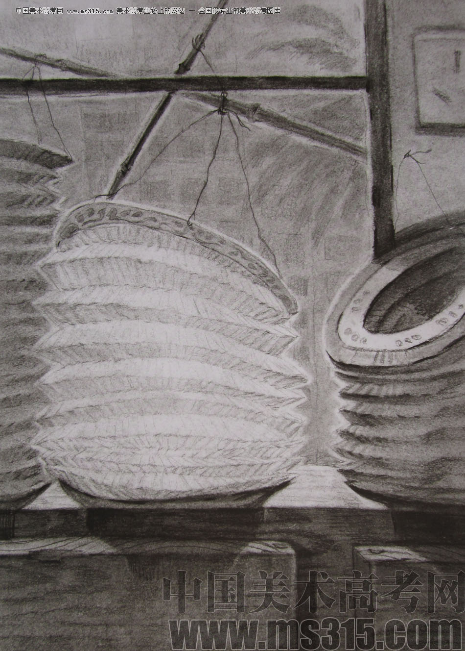 2012年清华大学美术学院素描高分试卷44(设计)